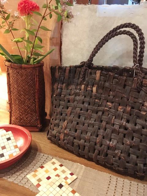 ミニ企画展:森由美子のコレクションから 〜かごと古布(半襟や着物はぎれ)を中心に