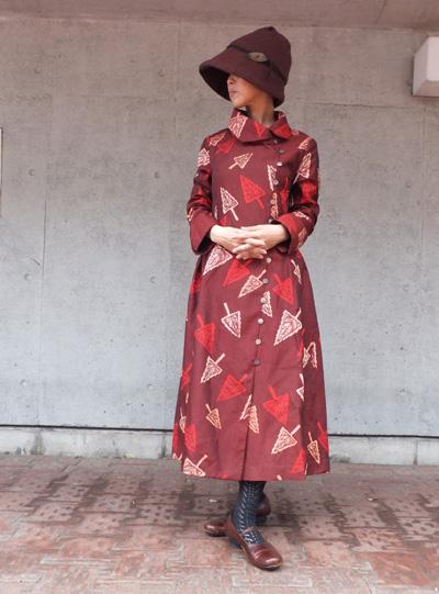 銀木犀の花の下で…昼神佳代の服 & 游工房の漆のアクセサリ